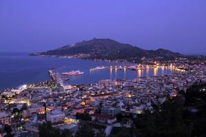 zakynthos-town-night